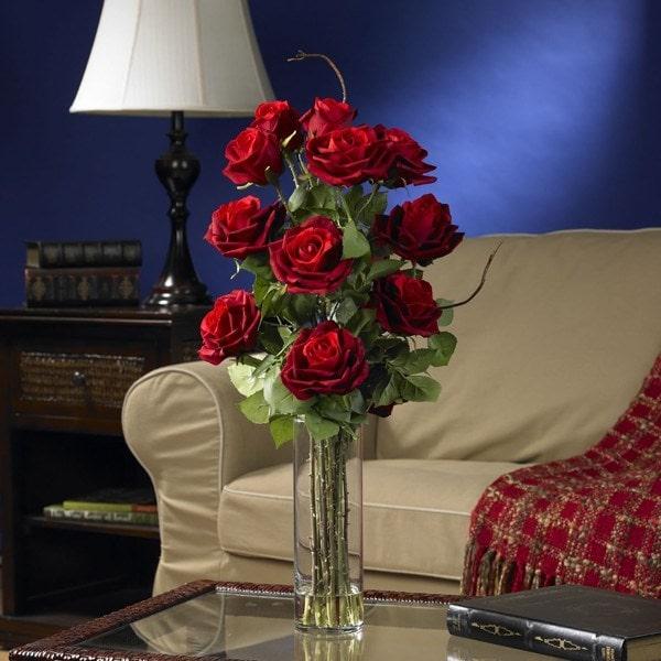 Cách cắm hoa hồng đẹp đơn giản không phải ai cũng biết